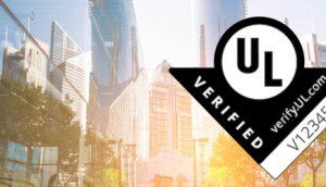 Marca UL Verified sobre un fondo borroso de rascacielos